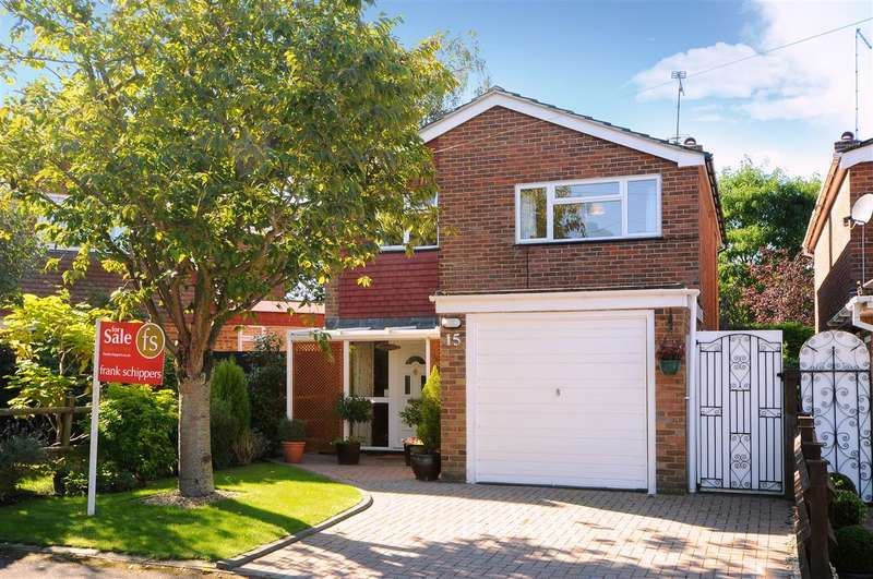 3 Bedrooms Detached House for sale in Corsham Way, Crowthorne