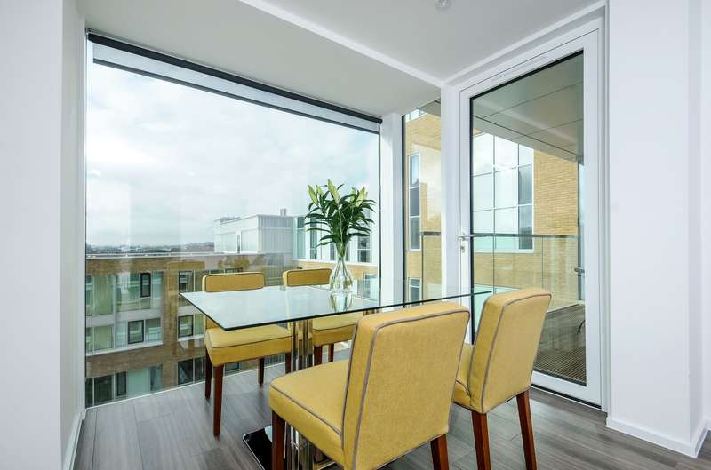 2 Bedrooms Apartment Flat for sale in Beacon Tower, Spectrum Way, Wandsworth, SW18