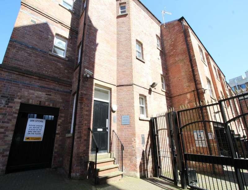 1 Bedroom Flat for sale in Regent Court Derby Street, Nottingham, NG1