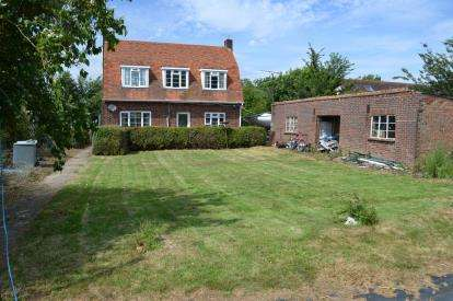 3 Bedrooms Detached House for sale in Steeple, Southminster, Essex
