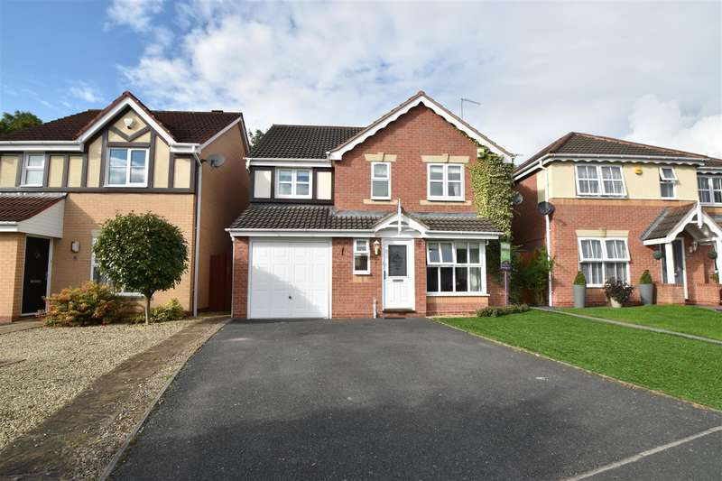 4 Bedrooms Property for sale in Swallow Place, Droitwich Spa