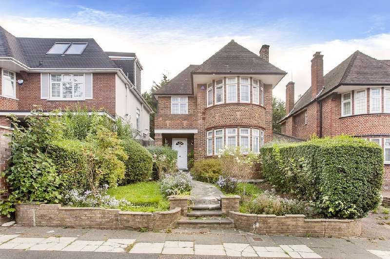 4 Bedrooms House for sale in Beaufort Drive, NW11