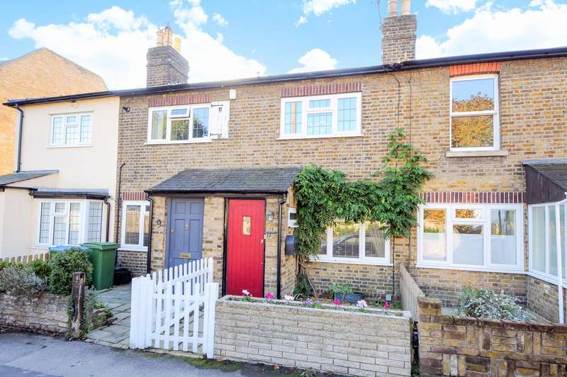 2 Bedrooms Terraced House for sale in Thames Ditton