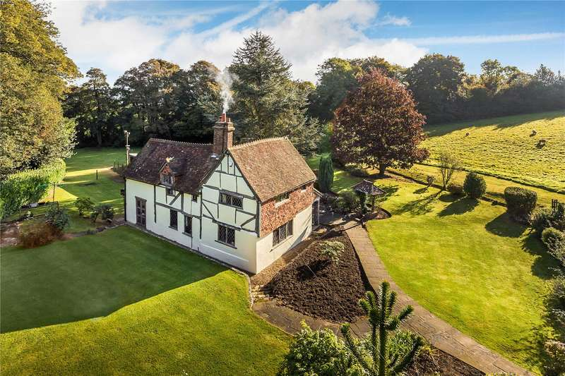 4 Bedrooms Detached House for sale in Little Common Lane, Bletchingley, Surrey, RH1