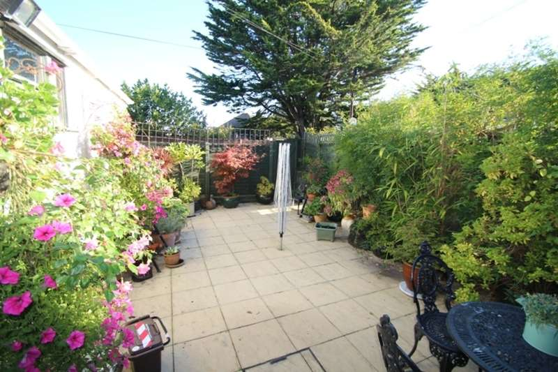 3 Bedrooms Maisonette Flat for sale in HENGISTBURY HEAD