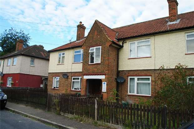 2 Bedrooms Maisonette Flat for sale in Clarendon Crescent, Twickenham