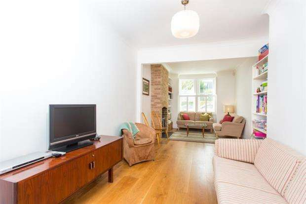 3 Bedrooms Terraced House for sale in Westville Road, Shepherds Bush, W12