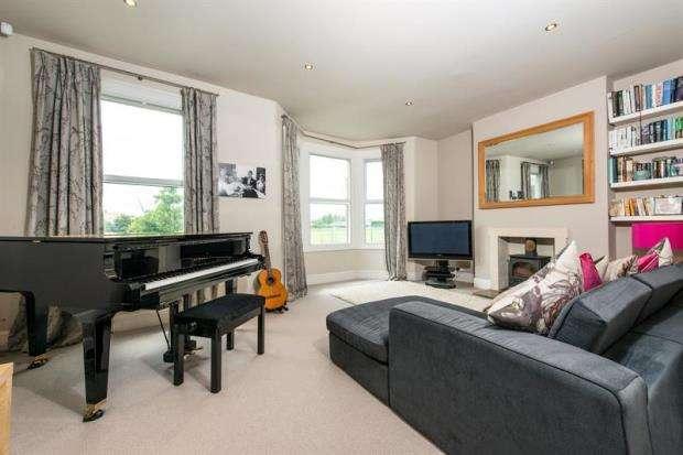 4 Bedrooms Flat for sale in Pavilion Terrace, Wood Lane, London, W12