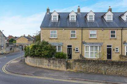 4 Bedrooms End Of Terrace House for sale in Banbury Road, Brackley, Northamptonshire, Uk