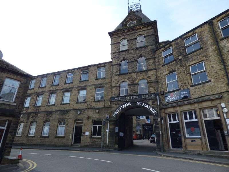 2 Bedrooms Flat for sale in Plover Road, Huddersfield