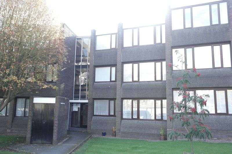 1 Bedroom Flat for sale in Parklands Gardens, Walsall