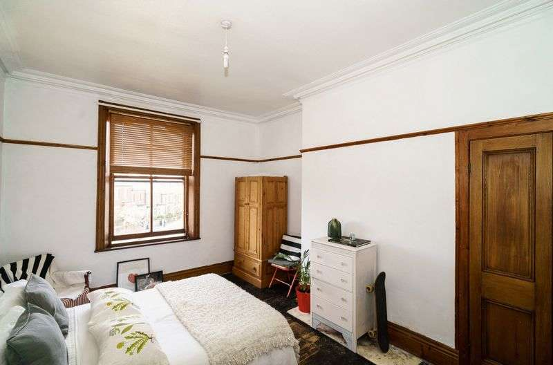 2 Bedrooms Flat for sale in Scotland Road, Carlisle
