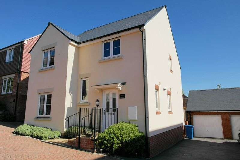 4 Bedrooms Property for sale in Spoonbill Rise, Bracknell