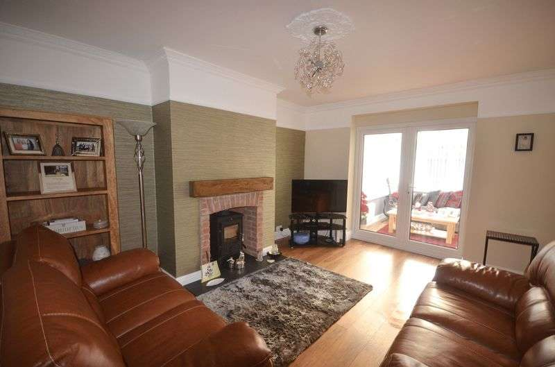 3 Bedrooms Terraced House for sale in Willow Avenue, Widnes