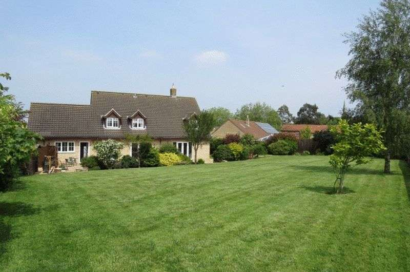 4 Bedrooms Detached House for sale in Manor Court, Waltham on the Wolds