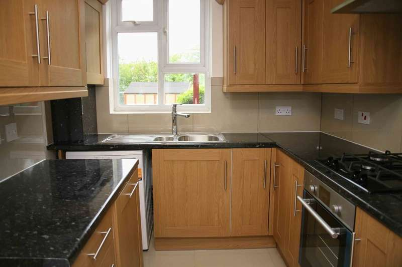3 Bedrooms Flat for sale in Canada Crescent, London, London, W3