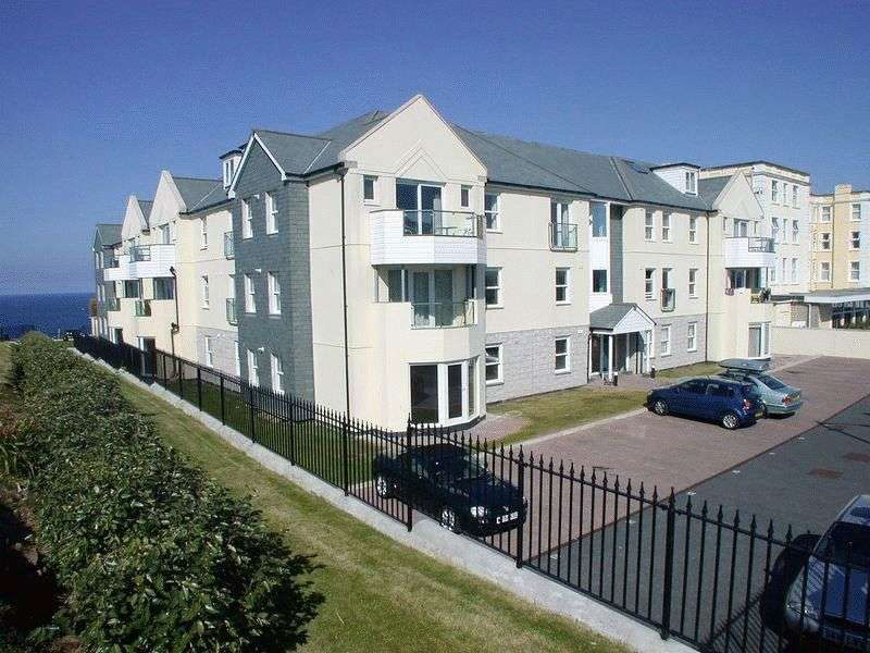 2 Bedrooms Flat for sale in Pentire Avenue, Newquay