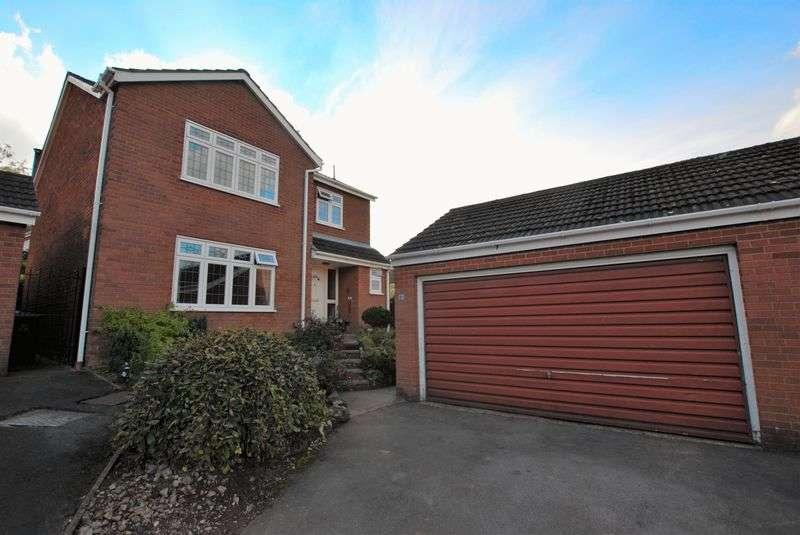 4 Bedrooms Detached House for sale in Glen Drive, Alton