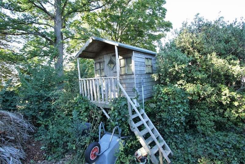 5 Bedrooms Detached House for sale in Surrenden Crescent Brighton