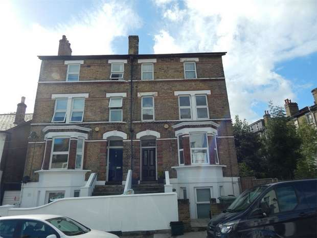 2 Bedrooms Flat for sale in Cambridge Road, Anerley, London