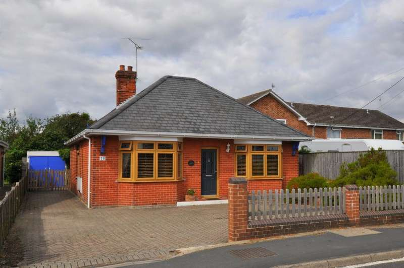 3 Bedrooms Detached Bungalow for sale in Parsonage Barn Lane, Ringwood, BH24 1PZ