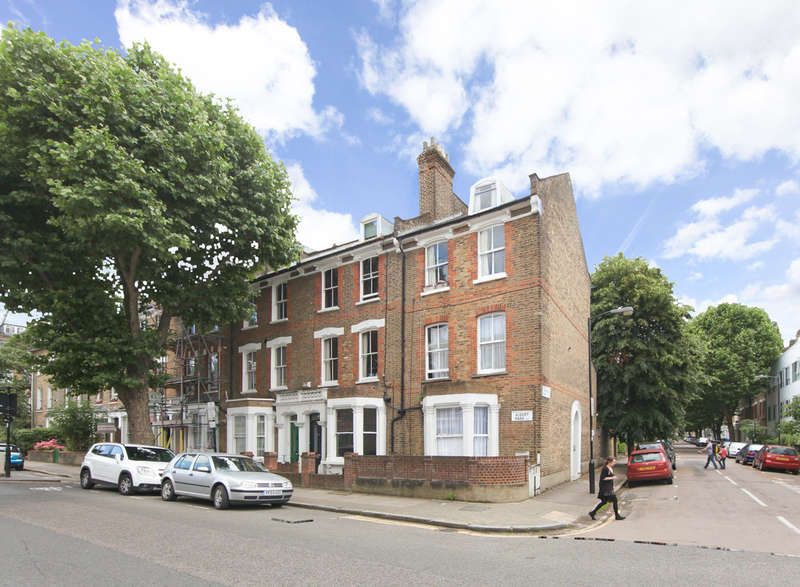 2 Bedrooms Flat for sale in Aubert Park, N5 1TR