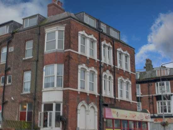 2 Bedrooms Flat for sale in Promenade, Bridlington, North Humberside, YO15 2QQ
