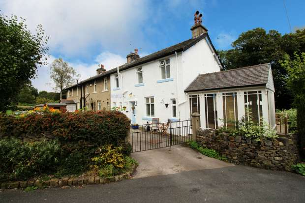 3 Bedrooms Property for sale in Fence End Ave, Skipton, North Riding, BD23 3SU
