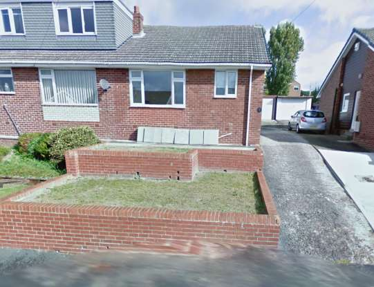 2 Bedrooms Semi Detached Bungalow for sale in Healey Crescent, Ossett, West Yorkshire, WF5 8NB
