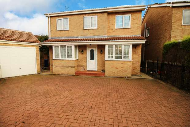 4 Bedrooms Detached House for sale in Pagnell Avenue, Rotherham, South Yorkshire, S63 0RF