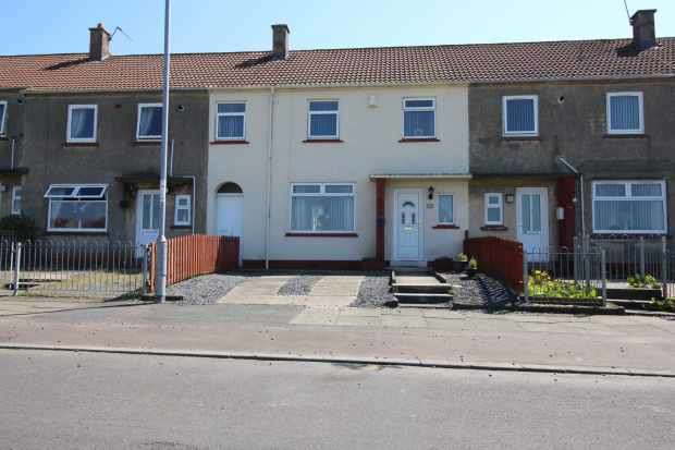 3 Bedrooms Terraced House for sale in Newlands Drive, Kilmarnock, Ayrshire, KA3 2DL