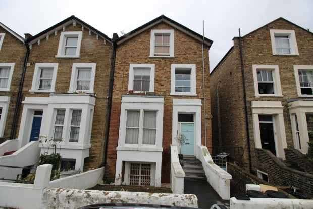 2 Bedrooms Flat for sale in St Stephen's Ave, London, Greater London, W12 8JB