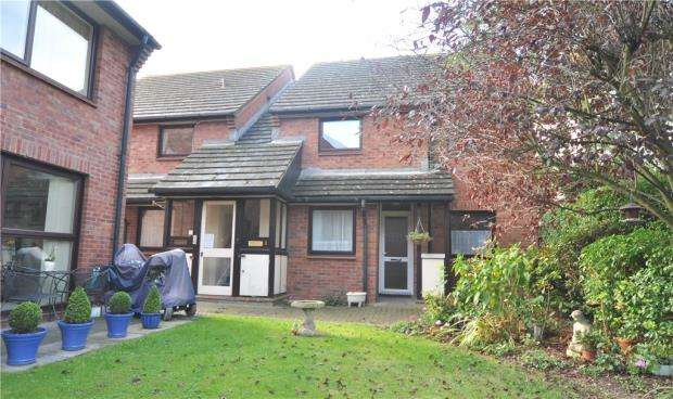 2 Bedrooms Retirement Property for sale in Fairhaven Court, Fairhaven, Egham