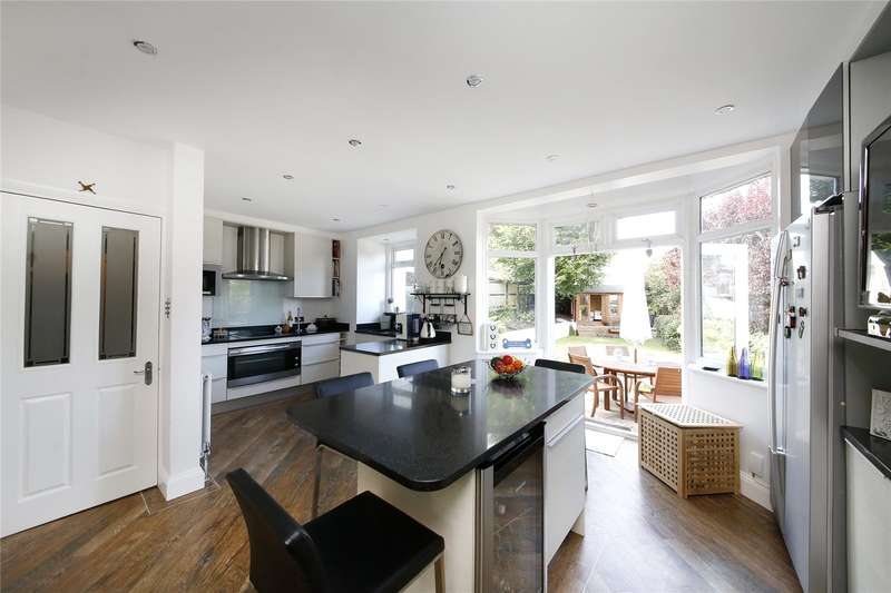 4 Bedrooms Semi Detached House for sale in Rickman Hill, Coulsdon