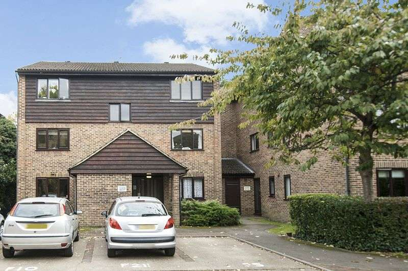 1 Bedroom Flat for sale in Collingwood Place, Walton-On-Thames