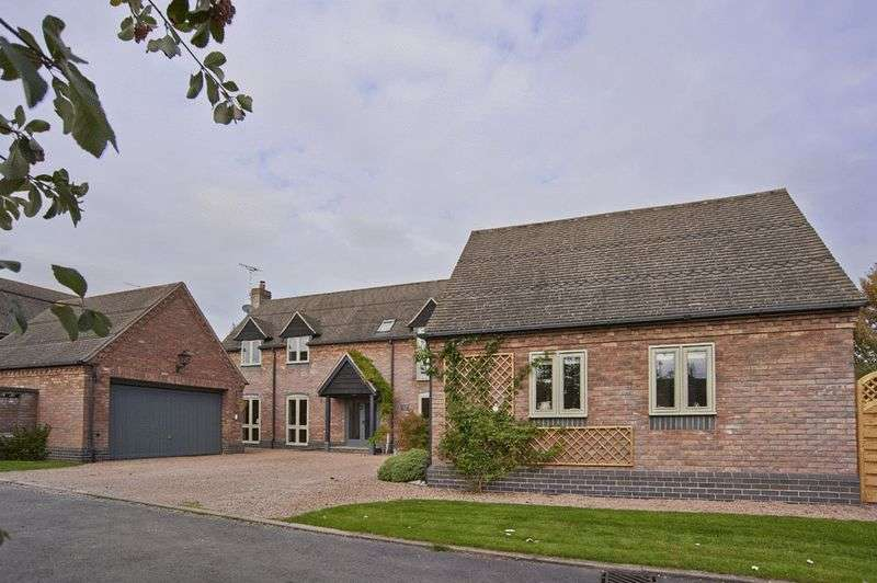 4 Bedrooms Detached House for sale in Grimley - between Holt Heath and Hallow, Worcestershire