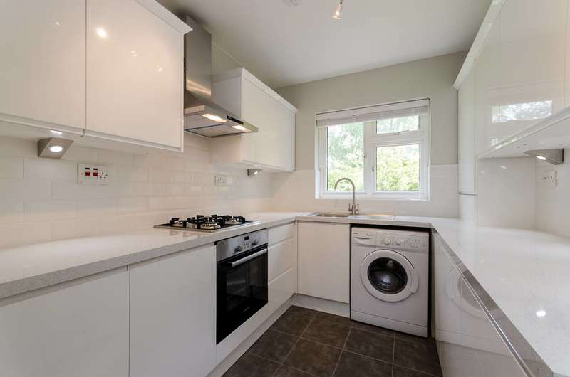2 Bedrooms Flat for sale in Shortlands Road, Shortlands, BR2