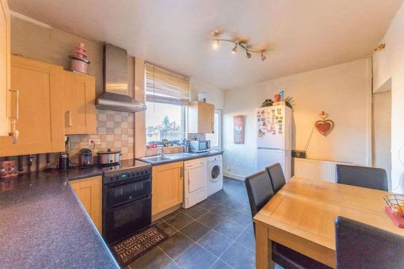 2 Bedrooms Terraced House for sale in Bridgewater Street, Little Hulton, M38