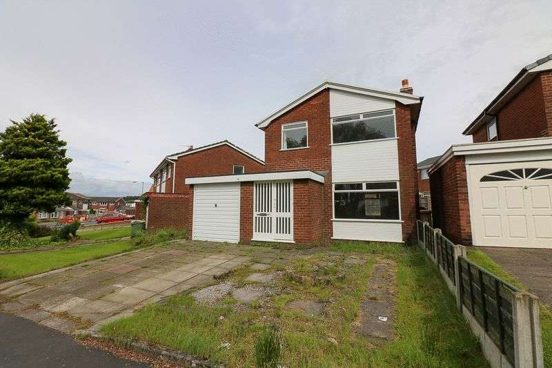 3 Bedrooms Detached House for sale in South Drive, Bolton