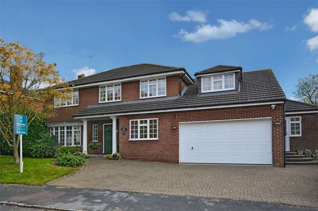 5 Bedrooms Detached House for sale in Tythe Close, Stewkley, Buckinghamshire