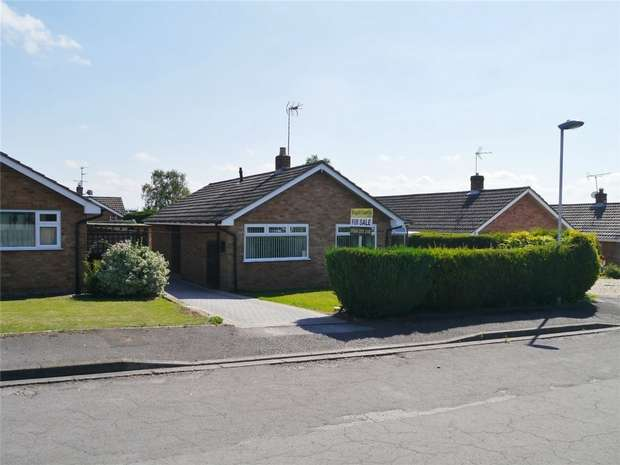 2 Bedrooms Detached Bungalow for sale in Hillview Lane, Twyning, Tewkesbury, Gloucestershire