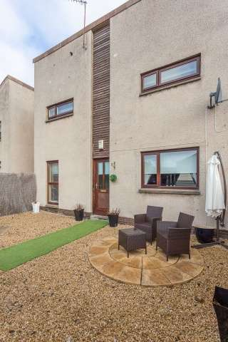 3 Bedrooms Terraced House for sale in Carlaverock Crescent, Tranent, East Lothian, EH33 2DY