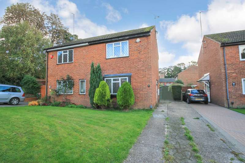 2 Bedrooms Semi Detached House for sale in Mill Gardens, Tring