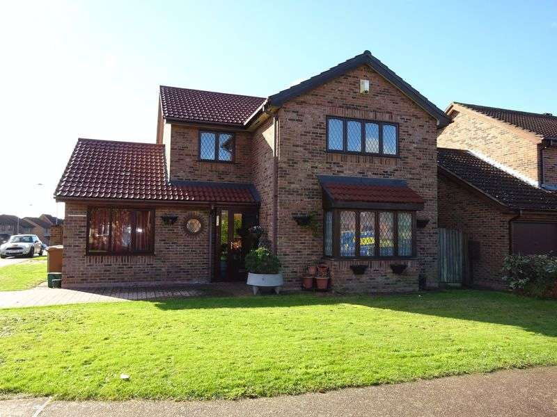 4 Bedrooms Detached House for sale in Felsham Way, Norwich