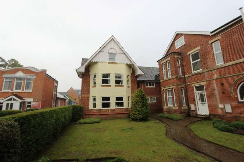 1 Bedroom Flat for sale in Banister Park