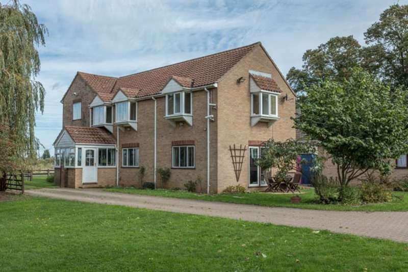 4 Bedrooms Detached House for sale in Gaul Road, March, Cambridgeshire, PE15