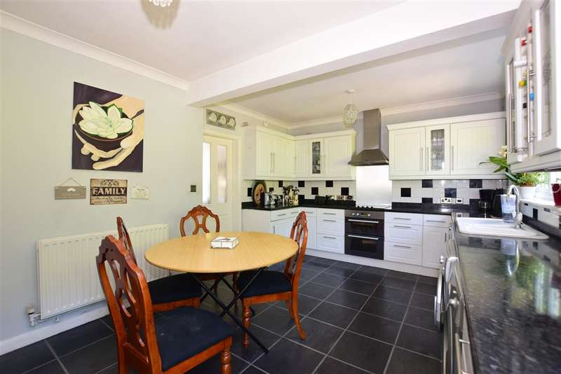 4 Bedrooms Semi Detached House for sale in Downs Road, Istead Rise, Kent