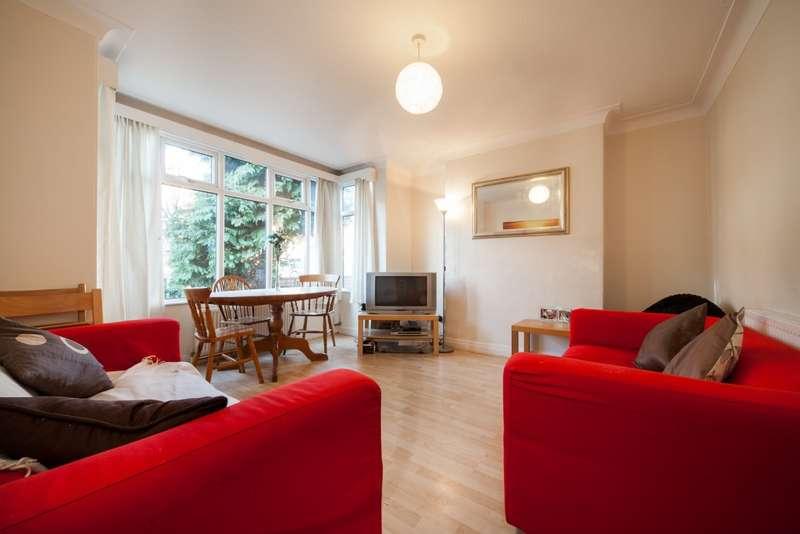 6 Bedrooms Semi Detached House for rent in Derwent Water Grove, Headingley, LS6