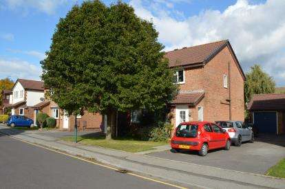 2 Bedrooms Semi Detached House for sale in Castledean, Bournemouth, Dorset