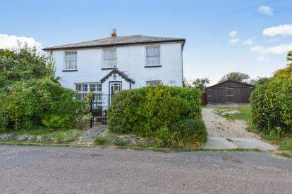 5 Bedrooms Detached House for sale in Freshwater, Isle of Wight